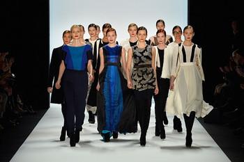 Models_catwalk_frame_goggoj